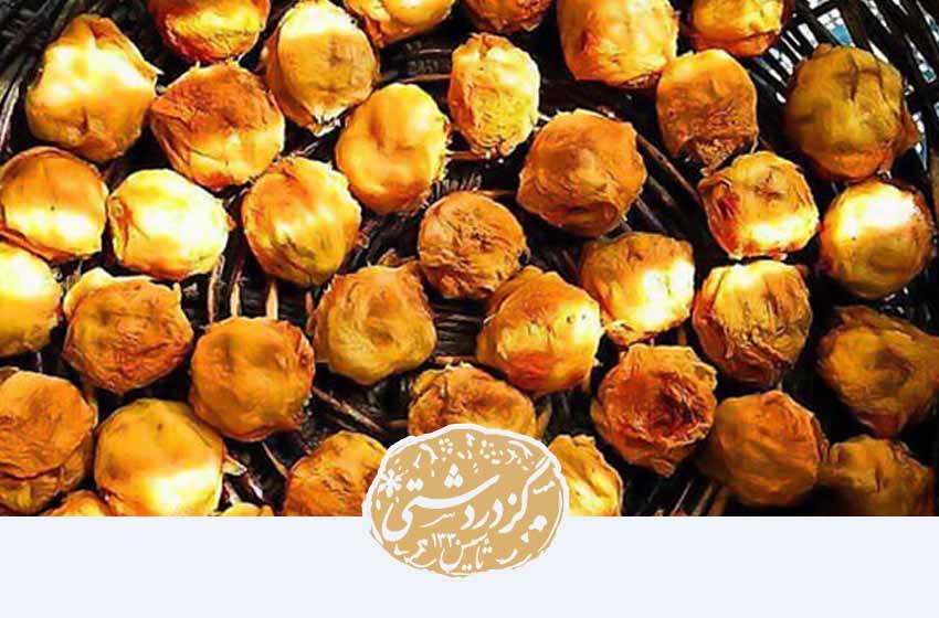 جوز قندی از انواع شیرینی اصفهانی است.