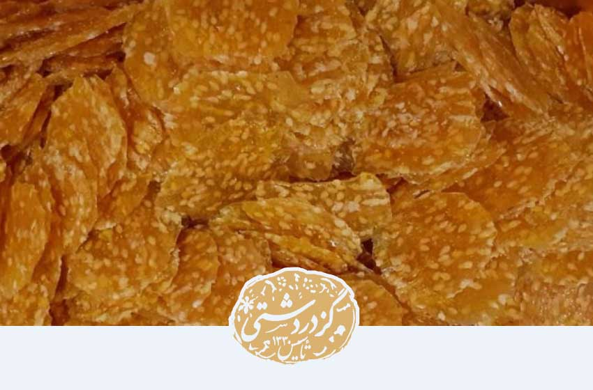 پولکی از انواع شیرینی اصفهانی است.